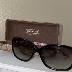 Coach Sunglasses & Sunglasses Case